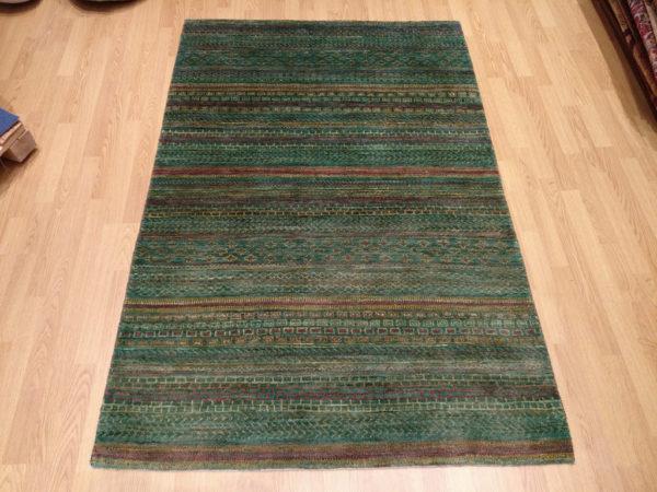tapis moderne khyber vert