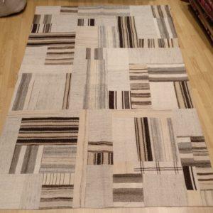 tapis kilim patchwork beige et gris