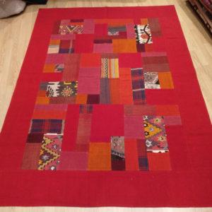 tapis kilim patchwork rouge