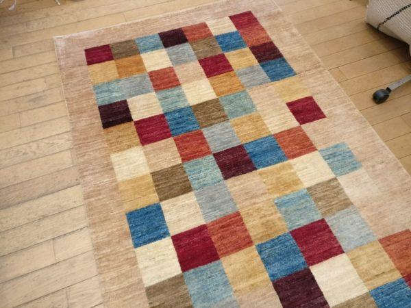 tapis moderne modcar damier couleur clair
