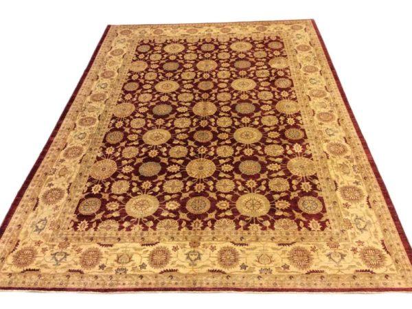 grand tapis classique noué main fond bordeaux
