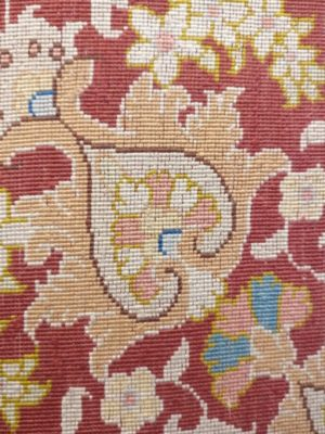 tapis de grand prestige iranien vue d'arrière