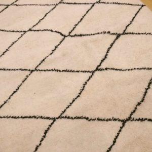 tapis marocain losange noir et blanc 200x150
