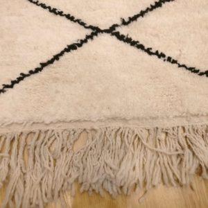 tapis berbere losange noir et blanc 200x150